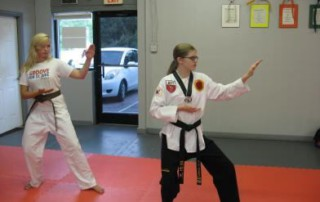 teen-taekwondo-instruction