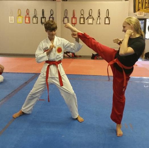 teens-taekwondo-kick